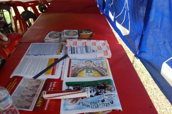 VCD dan pamplet antara bahan propaganda YB Osman Zailu
