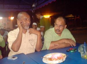 Abg W.Joe dan Pak Bakaq (baju hijau)