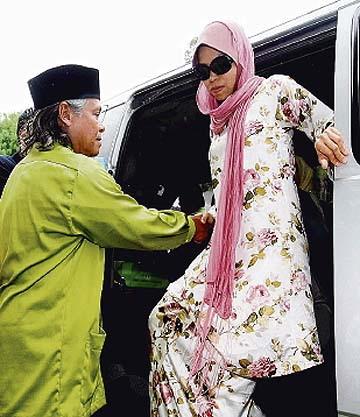 gambar dipetik dari Berita Harian online